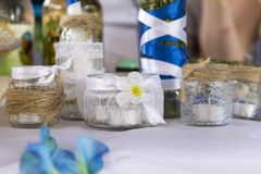 candlesticks, słoje z świeczkami, stołowy położenie, wystrój Obraz Stock