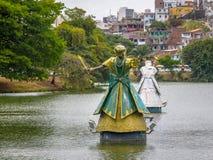 Candomble传统非洲圣徒Iemanja Orixa雕象在Dique做托罗罗-萨尔瓦多,巴伊亚,巴西 免版税库存照片