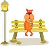 Cane del fumetto che si siede sul ramo con il gelato Fotografia Stock