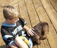 cane del ragazzo fotografia stock libera da diritti