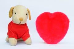 Cane e cuore farciti Fotografia Stock Libera da Diritti