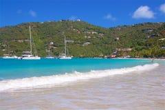 Cane Garden Bay en Tortola, del Caribe foto de archivo