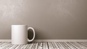 Caneca branca no assoalho de madeira contra a parede Fotos de Stock Royalty Free