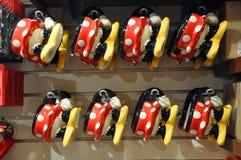Caneca do rato de Mickey e de Minnie na loja de Disney Fotografia de Stock Royalty Free