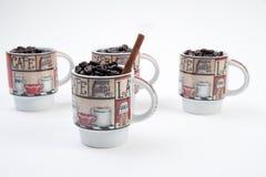 Canecas de café com feijões Foto de Stock