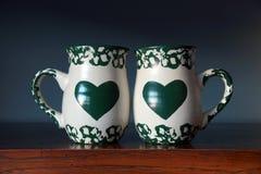 Canecas pintadas do coração Imagens de Stock Royalty Free