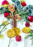Canela, caramelos de azúcar, anaranjados Imagen de archivo