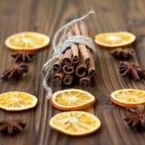 Canela, naranjas secadas y anís Foto de archivo libre de regalías