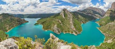 Canelles水库,莱里达省省,西班牙全景  免版税库存照片