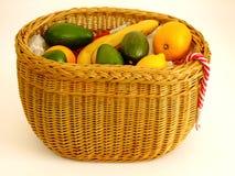 Canestro con i frutti Fotografie Stock