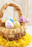 Canestro del pane di Pasqua Immagini Stock