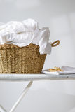 Canestro della lavanderia Fotografia Stock Libera da Diritti