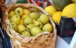 Canestro delle mele Immagine Stock