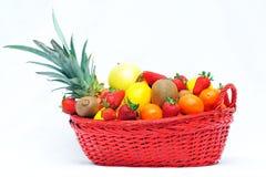 Canestro di frutta Immagini Stock