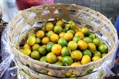 Canestro di frutta Fotografia Stock Libera da Diritti