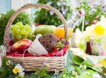 Canestro di picnic Fotografie Stock