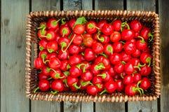 Canestro di vimini dei peperoni roventi Fotografia Stock