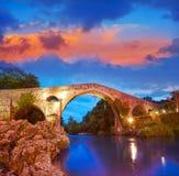 Cangas de Onis罗马桥梁在阿斯图里亚斯西班牙 免版税库存图片