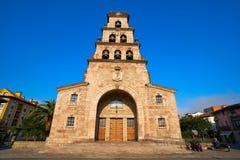 Cangas de Onis kyrka i Asturias Spanien royaltyfria bilder