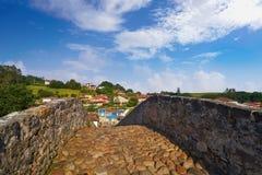 Cangas de Onis roman bro i Asturias Spanien arkivfoton