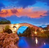 Cangas DE Onis Romein brug in Asturias Spanje royalty-vrije stock afbeelding