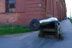 Canhão antigo do ferro de molde Fotos de Stock