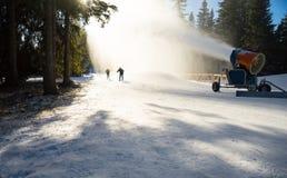 Canhão da neve na ação Imagem de Stock