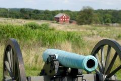 Canhão de Gettysburg com casa Imagem de Stock Royalty Free