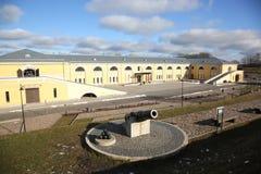 Canhão do século XIX no fortness de Daugavpils Imagens de Stock