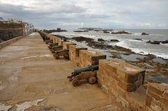 Canhões em Ramparts em Essaouria foto de stock royalty free
