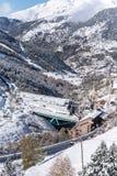 Canillo, Andorra 1º de novembro de 2018: Neve em Sant Joan de Caselles Church em Canillo Velinos do la de Andorra, Andorra fotos de stock