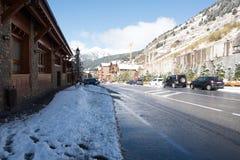 Canillo, Andorra 1º de novembro de 2018: Neve em Sant Joan de Caselles Church em Canillo Velinos do la de Andorra, Andorra foto de stock