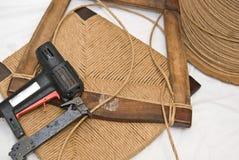 caning επισκευή επίπλων τεχνών Στοκ φωτογραφία με δικαίωμα ελεύθερης χρήσης