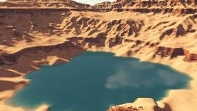 Canionmeer onder rode rotsen Hoogste mening stock videobeelden