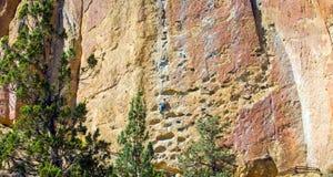 Canionsleep in Smith Rocks State Park, een populair bergbeklimmingsgebied in centraal Oregon dichtbij Terrebonne stock fotografie