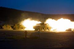 Canjuers,法国,大约2011年 AMX-10坦克的军团在生火期间 图库摄影