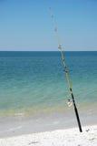 Canna da pesca sulla spiaggia Fotografia Stock Libera da Diritti