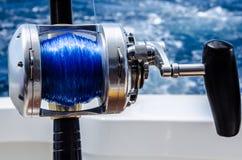 Canne à pêche étroite dans un bateau chez les Caraïbe Images libres de droits