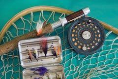 Canne à pêche et réseau de mouche Photos stock