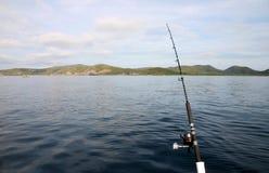 Canne à pêche sur un bateau Photos stock