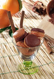 Cannella arancia ε Macarons con Στοκ εικόνα με δικαίωμα ελεύθερης χρήσης