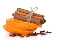 Cannella, arancio e chiodi di garofano Fotografia Stock Libera da Diritti