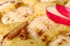 Cannella su Applecake fotografia stock