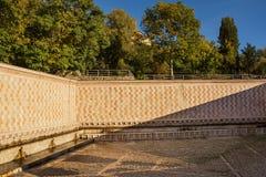 99 Cannelle Brunnen von Aquila Italien Stockfotos