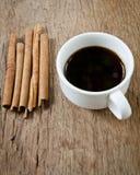 Cannelle et café Image stock