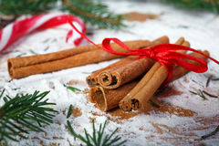Cannelle pour Noël photographie stock