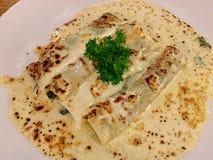Cannelloni шпината роскошь уклада жизни превосходной еды кухни carpaccio итальянская классицистическо стоковое фото rf