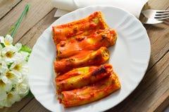 Cannelloni avec le ricotta et les épinards photographie stock