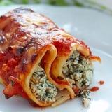 Cannelloni avec les épinards et le ricotta Images stock