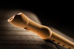 Cannelure en bois avec l'illustration musicale photographie stock libre de droits